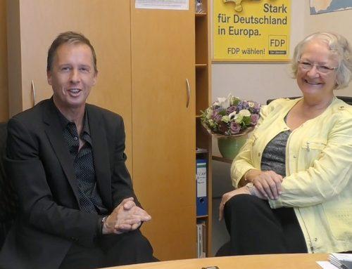 Die Europaabgeordnete Gesine Meissner im Gespräch mit Alexander Louvet