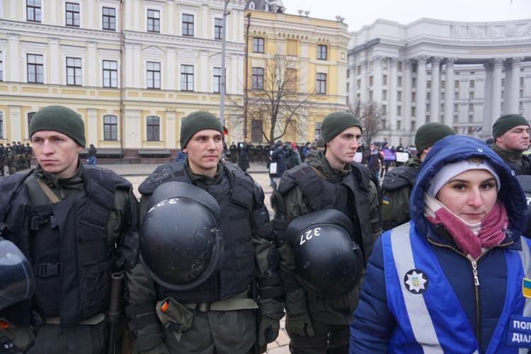 Antifa-Demo in Kiew, 19.01.2020: Über 300 PolizistInnen schützten drei Dutzend Demonstranten. | Foto: © Bernhard Clasen